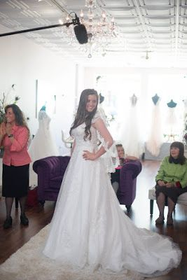 a4636fb6696 Joy-Anna Duggar s dress shopping day was a blast!