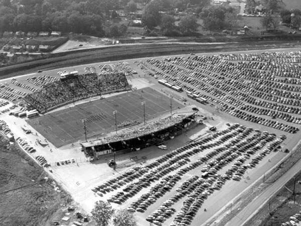 #Fact: Florida State hosted its 1st football game at Doak Campbell Stadium 64 yrs ago today. 10/7/1950