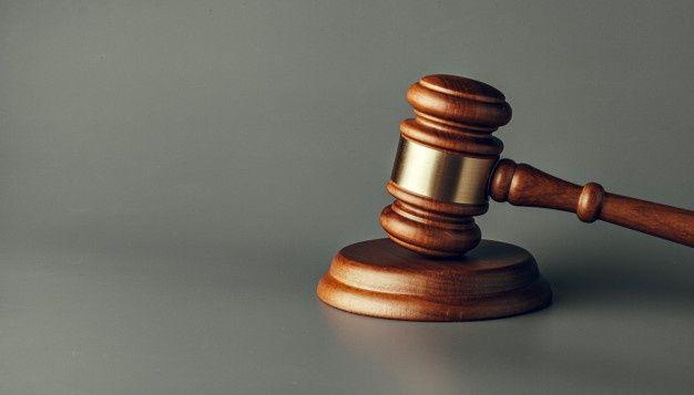 Judge gavel close up on paper background... | Premium Photo #Freepik #photo #sale #wood #office #law
