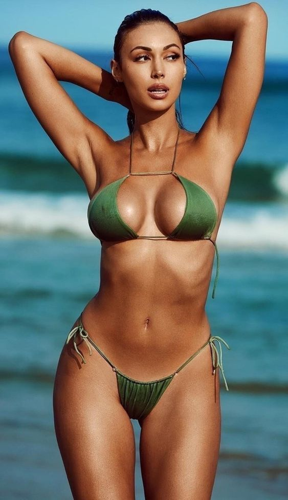 Hottest bikini girls of 2018
