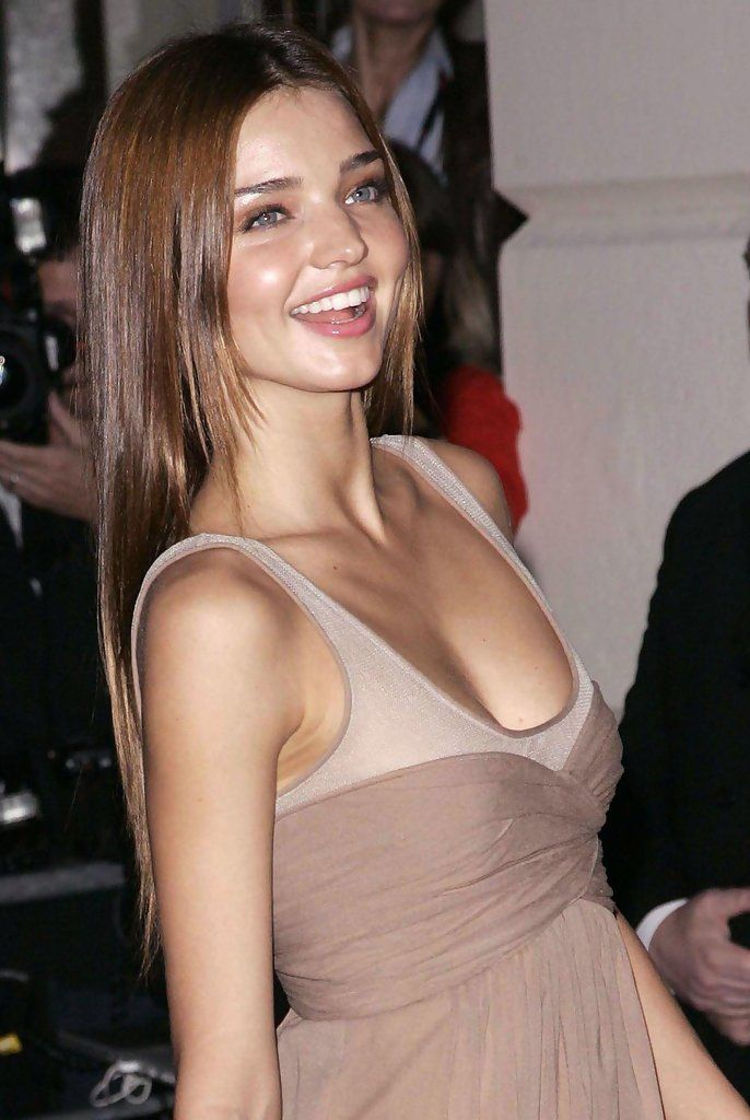 Miranda Kerr Kerr Rose To Prominence In 2007 As One Of The