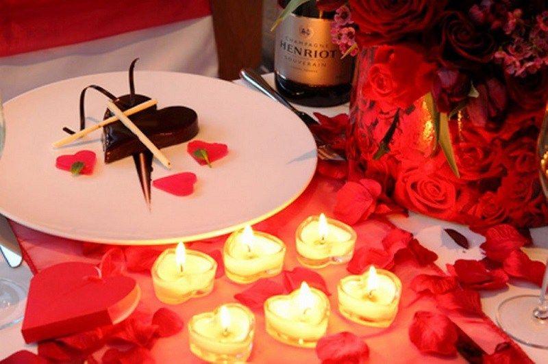 10unique Valentines Day 2018 Decoration Ideas To Celebrate Valentines Valentine Table Decorations Cheap Table Decorations Valentines Day Dinner