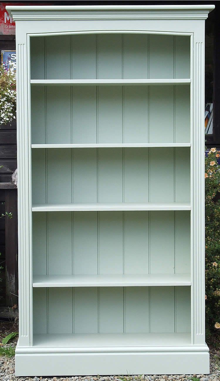 How To Paint A Wooden Bookshelf White