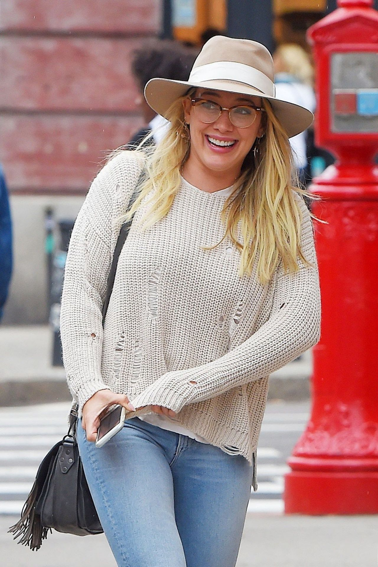 Hilary duff in casual attire grabbing lunch at sadelles in soho nyc nudes (94 photo), Bikini Celebrity pics