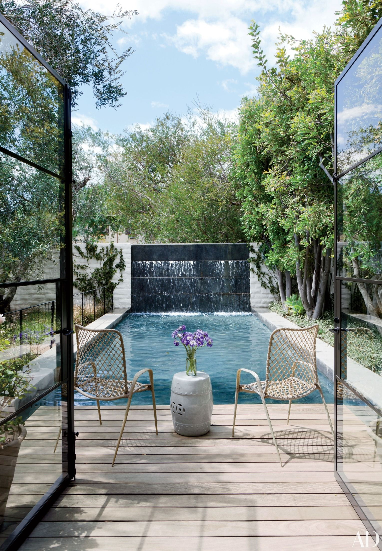 11 Luxurious Private Pools | Modern pools, Indoor outdoor ...