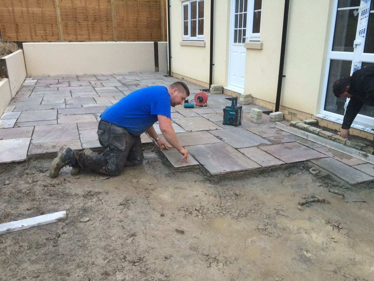 how to lay indian sandstone paving