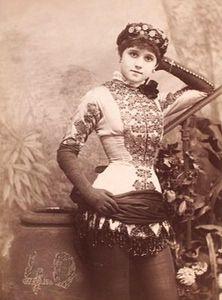 Saloon Girl
