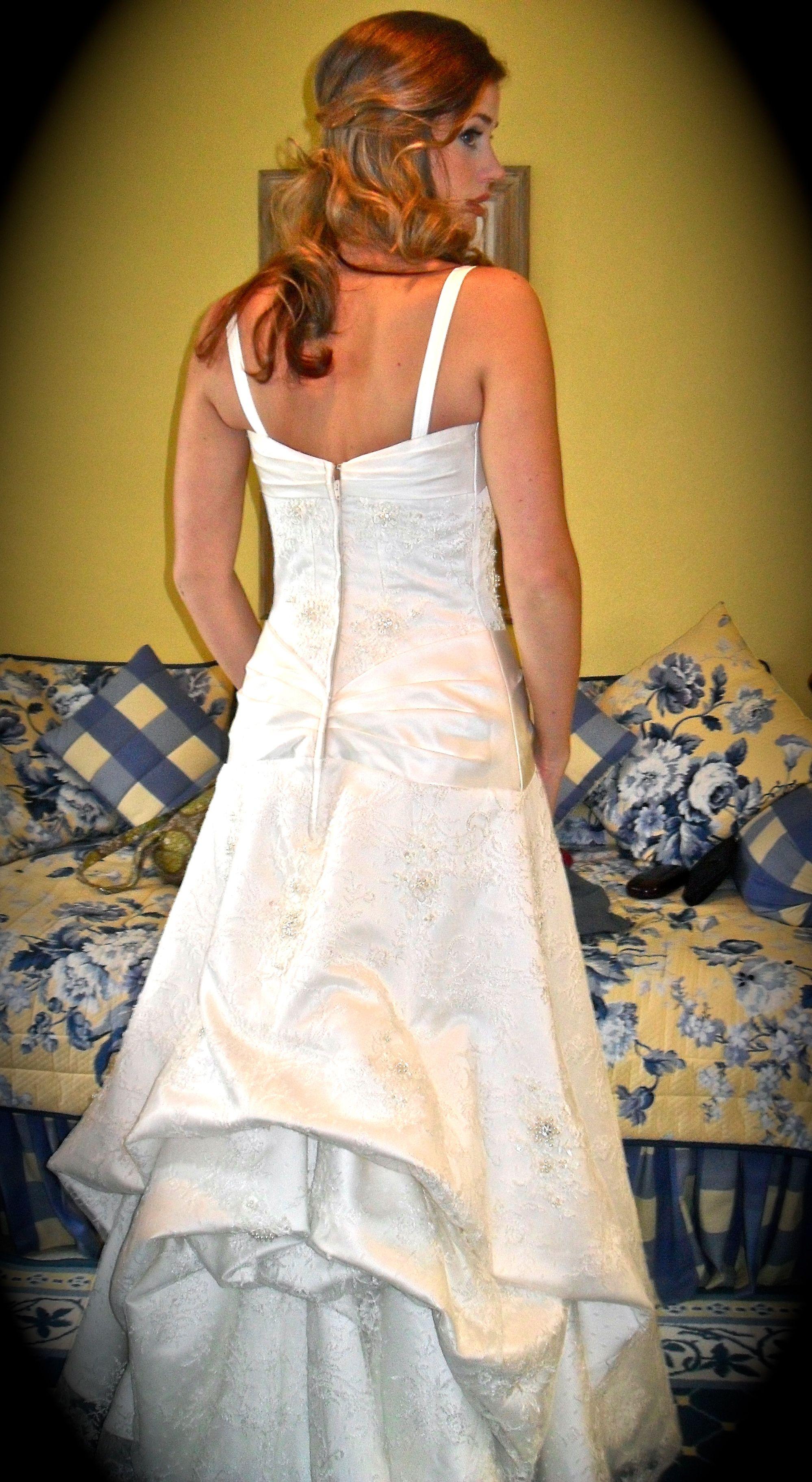 The Under Bustle for a wedding dress Wedding dress train