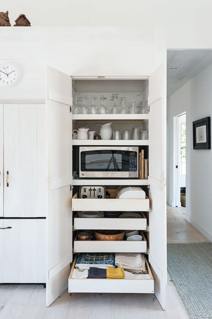 11 Strategies for Hiding the Microwave | Cape cod kitchen, Matthew ...