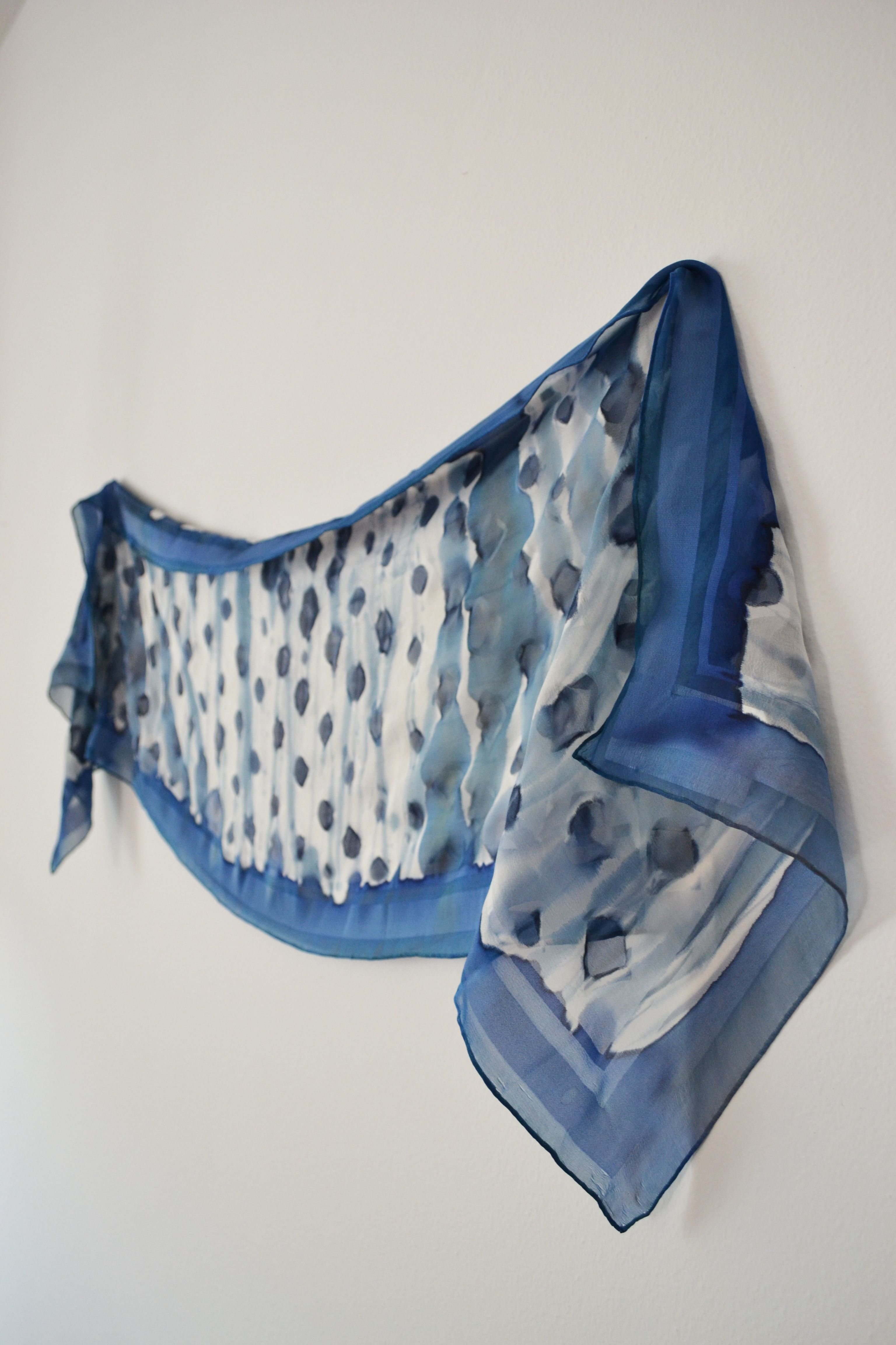 Scarf/stole in muslin, painted by hand. Size 175x45 cm. unique and precious with immediate availability.