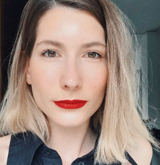 How To Wear Red Lipstick Like A French Girl - Leonce Chenal