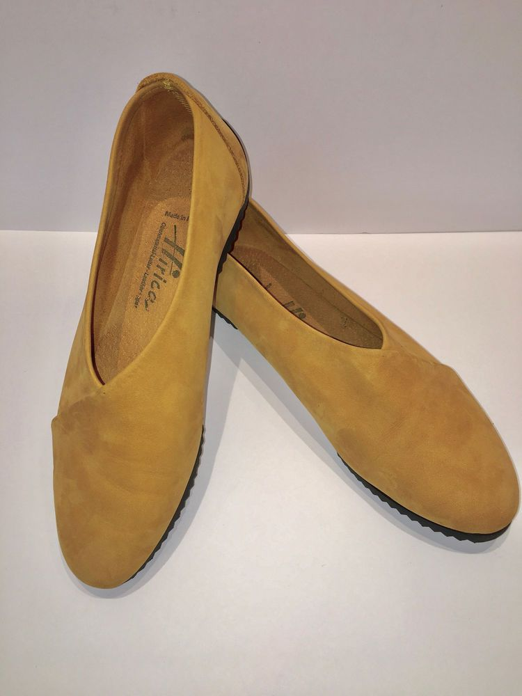 ad26d3b0b2d2 Hirica Women s Designer Shoes NWOB Yellow Suede US Size 8 Eur 39 ...