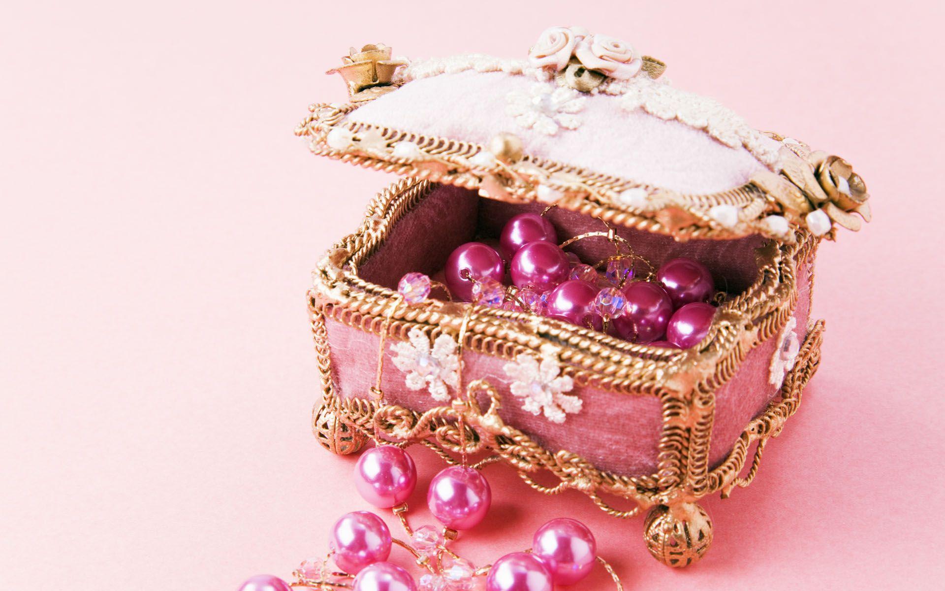 Slovenský zlatník prezradil, ako sa starať o šperky aby nesčernali a boli vždy krásne a ako nové | Chillin.sk