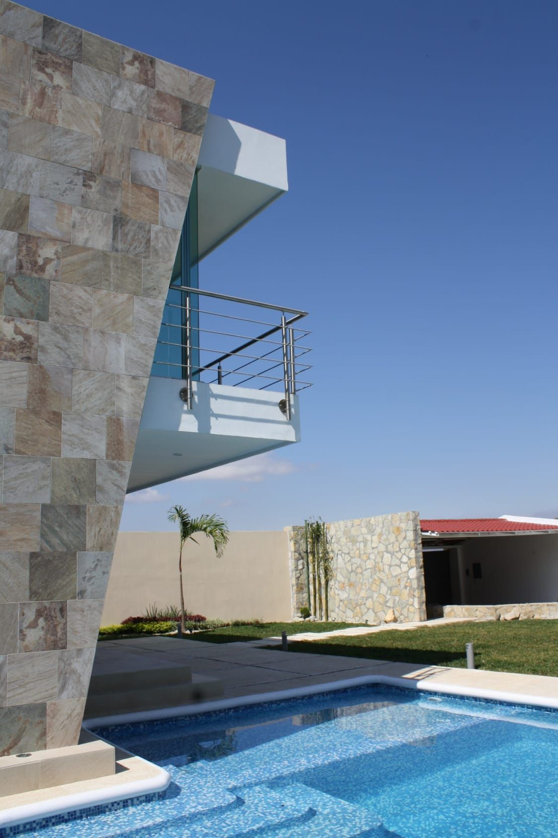 Homify albercas albercas dise o de interiores y - Diseno y arquitectura de interiores ...
