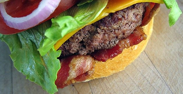 APPLE-AND-CHEDDAR-BEEF-BURGERS