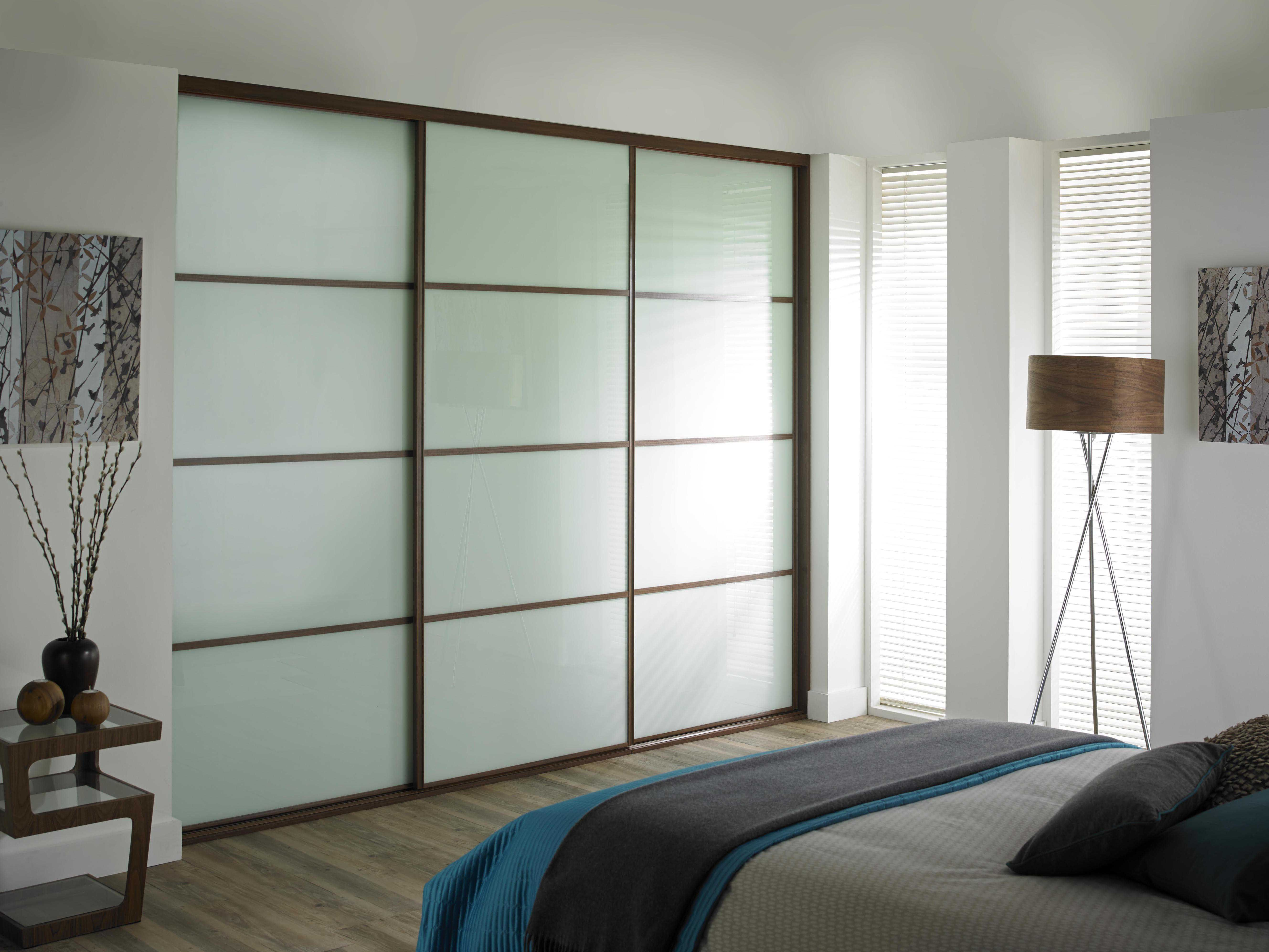 Classic 32mm Steel Arctic White Doors With Walnut Frame Sliding