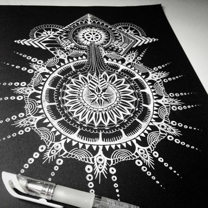 1001 Idees Et Techniques Pour Faire Un Mandala Mandala Mandala Blanc Papier Noir