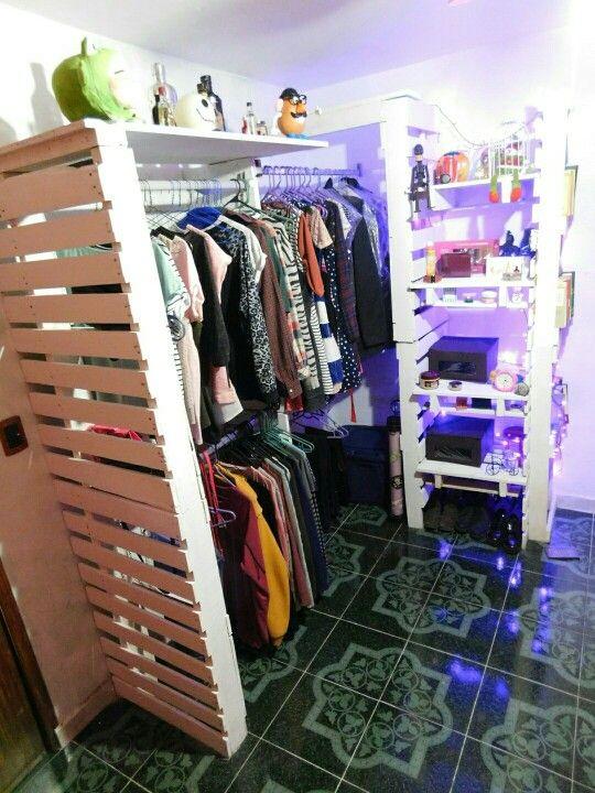 Closet hecho con palets reciclaje decoracion sweet - Decoracion con reciclaje ...