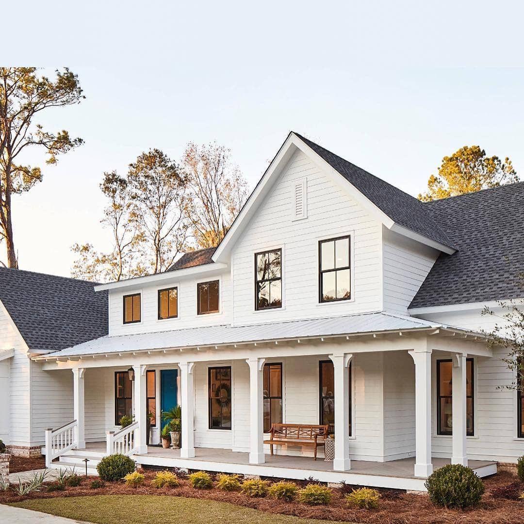 This White Farmhouse Is Gorgeous We Love Wrap Around Porches Do You Tag A Friend Wh Modern Farmhouse Exterior Farmhouse Design Modern Farmhouse Design