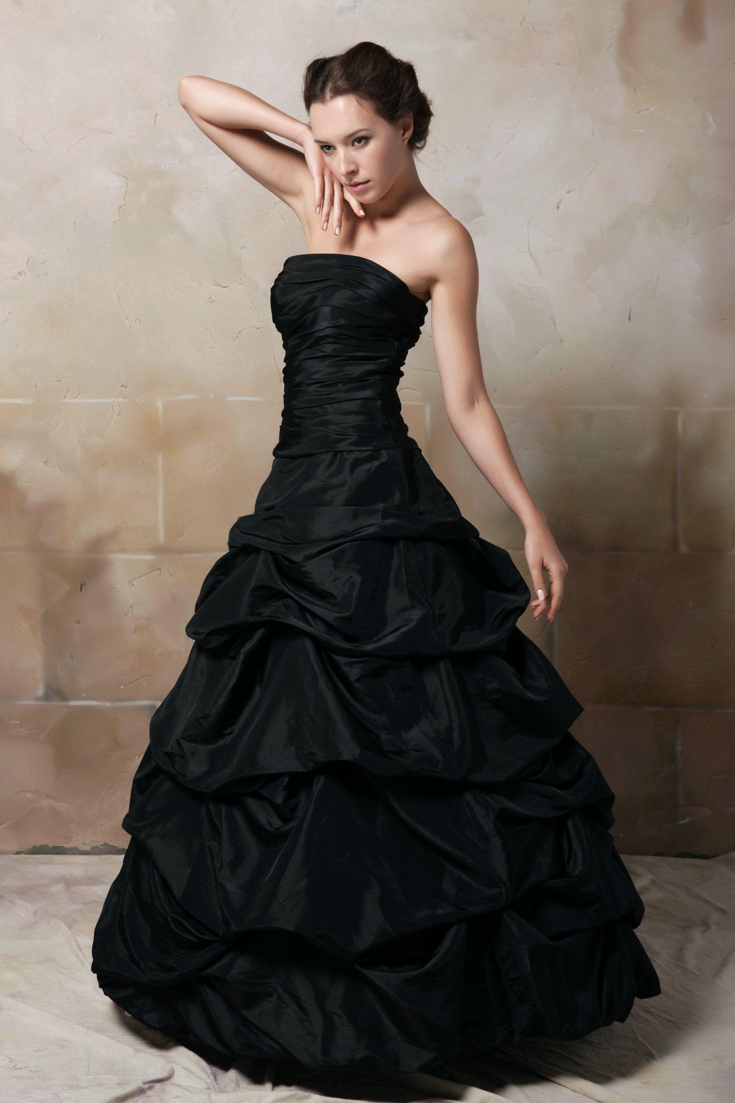 Hochzeitskleid In Schwarz  Hochzeitskleid, Schwarze