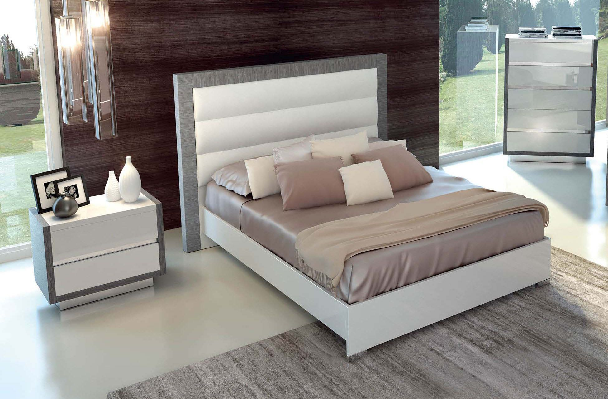 Lacquered Made in Italy Wood Luxury Platform Bed in 2019