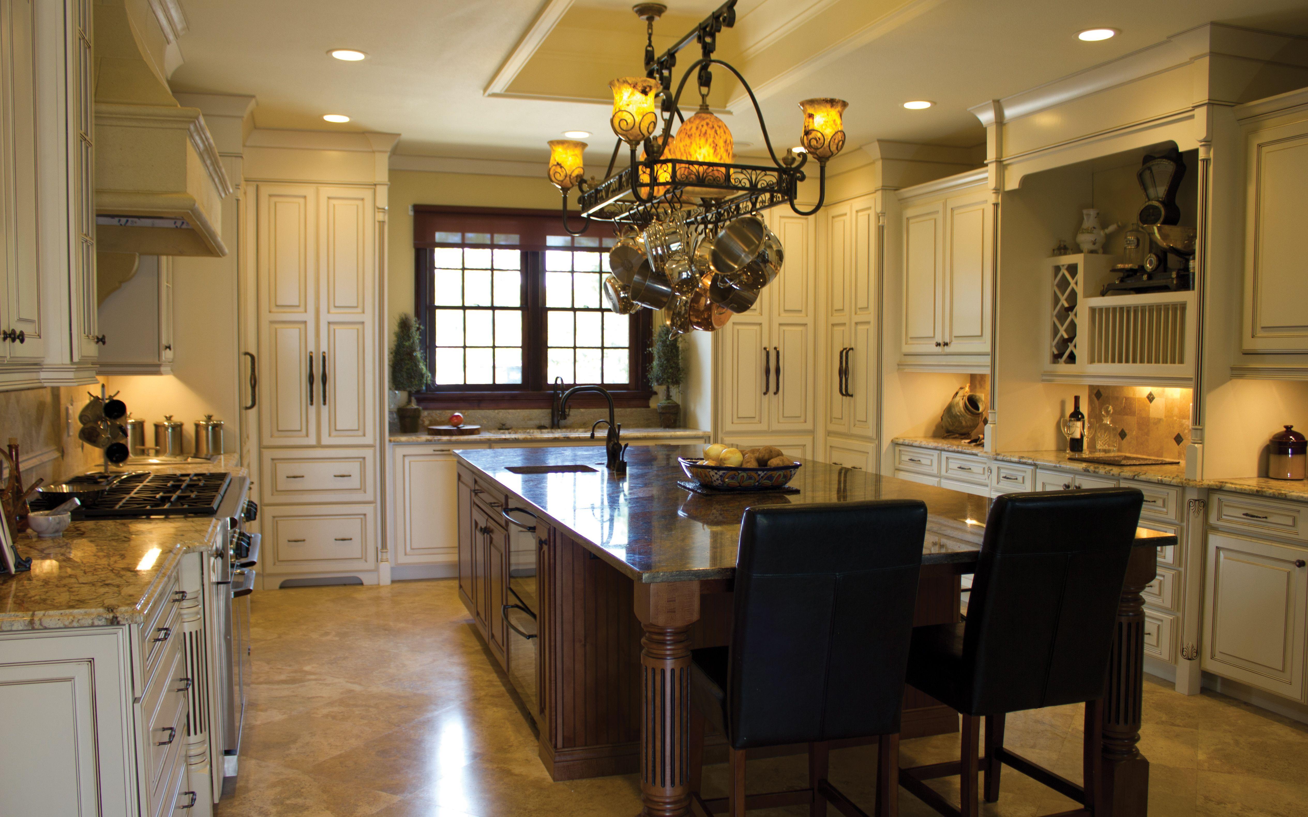 Lancaster Covington Door Style Kabinart Tuscan Kitchen Modern Kitchen Cabinet Design Tuscan Design