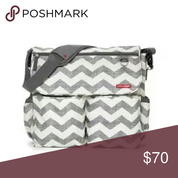SKIP *HOP CHEVRON MESSENGER BAG BRAND NEW THIS ITEM COMES WITH A CHANGING PAD skip hop Bags Baby Bags