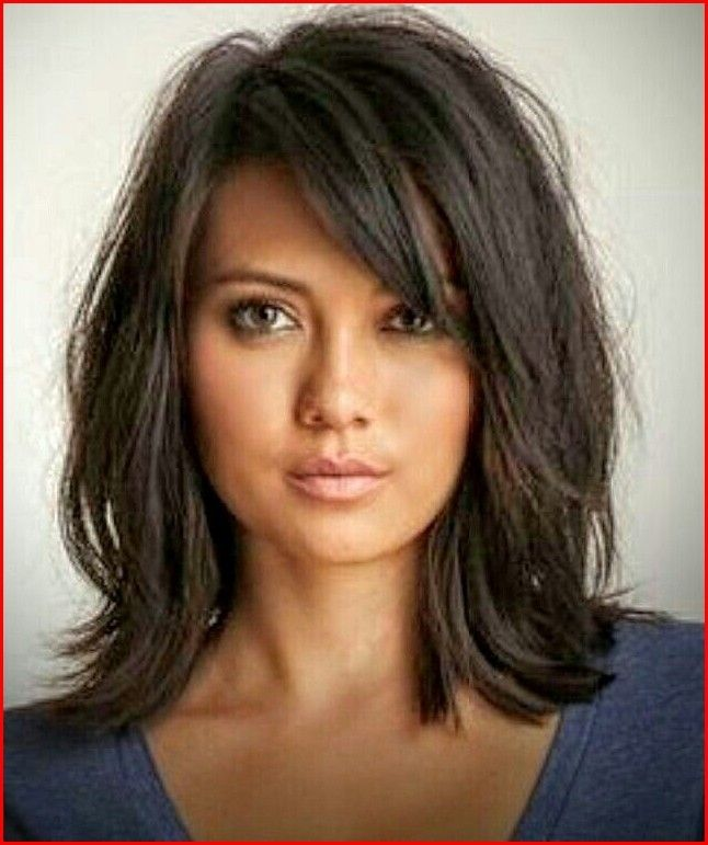 Medium Short Hairstyles Girls with Fresh and Fantastic Appearance