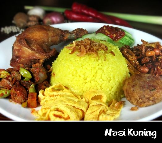 Nasi kuning adalah makanan khas Indonesia. Makanan ini ...
