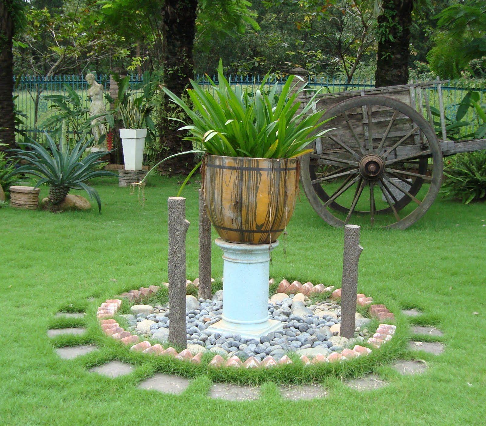 Jardines decorados con piedras great figuras con piedras for Jardines pequenos con piedras blancas