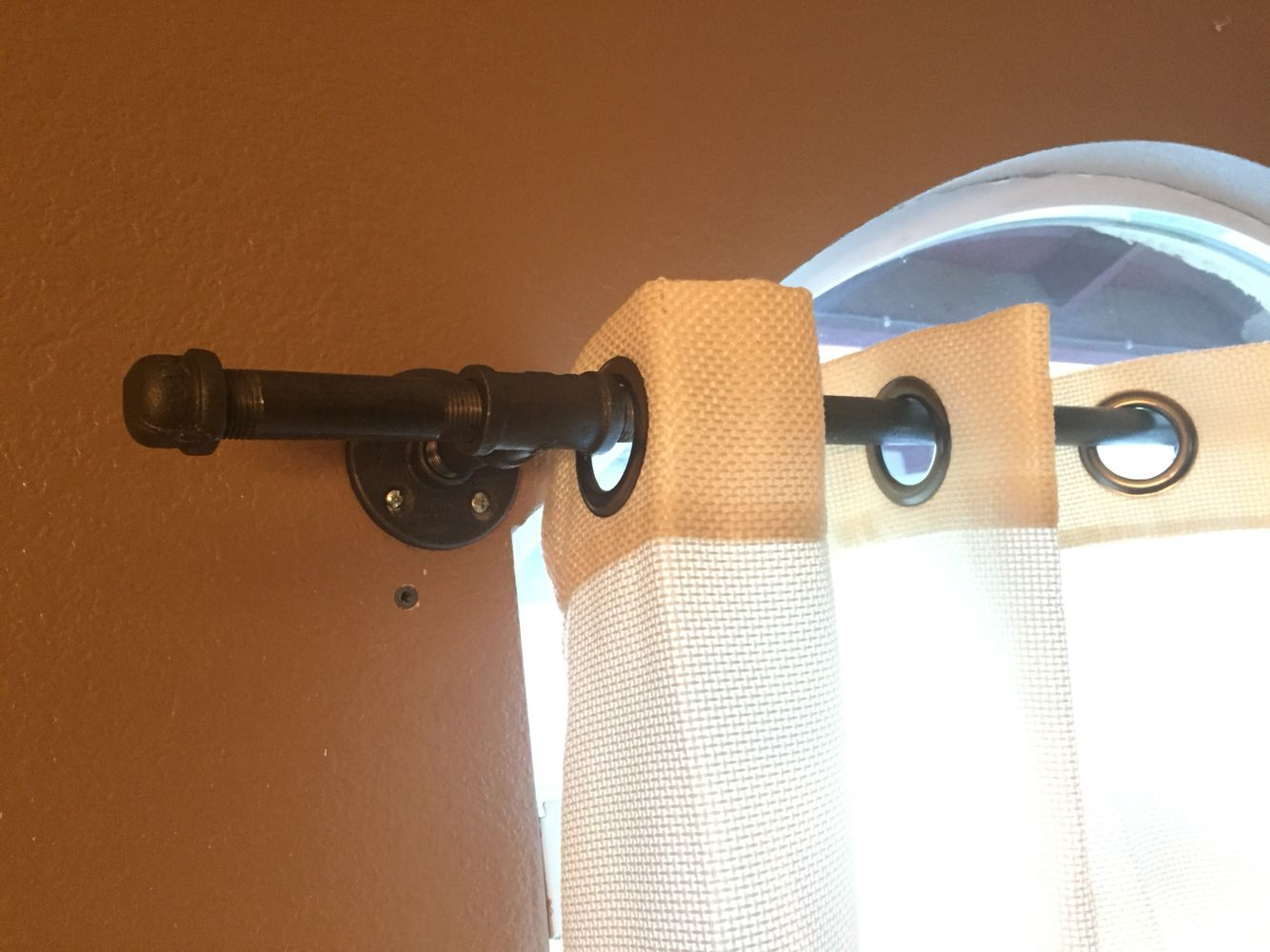Standard curtain rods - Gas Pipe Curtain Rod Super Easy