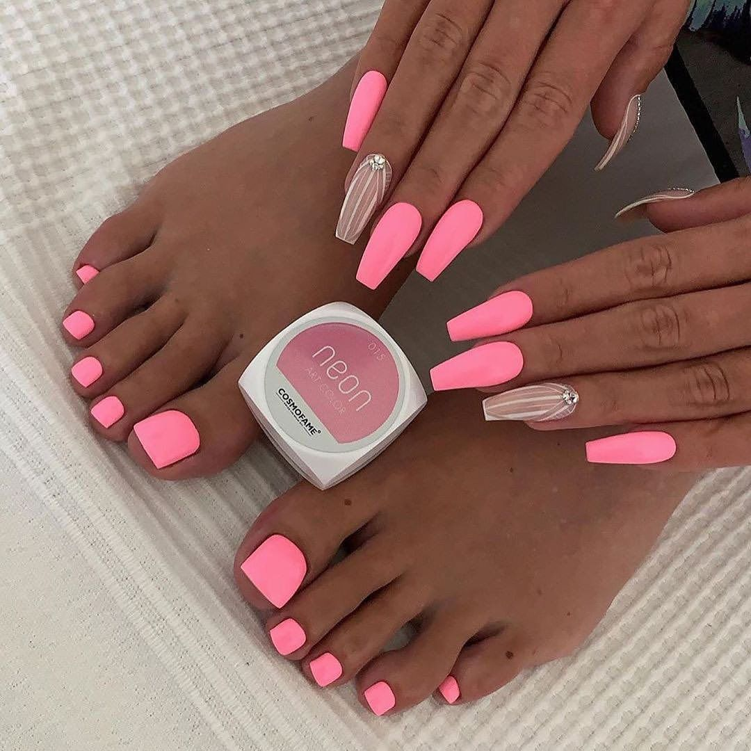 Neon Nails The Flagship And Colorful Trend Of Summer 2020 In 2020 Neon Pink Nails Pink Acrylic Nails Neon Nails