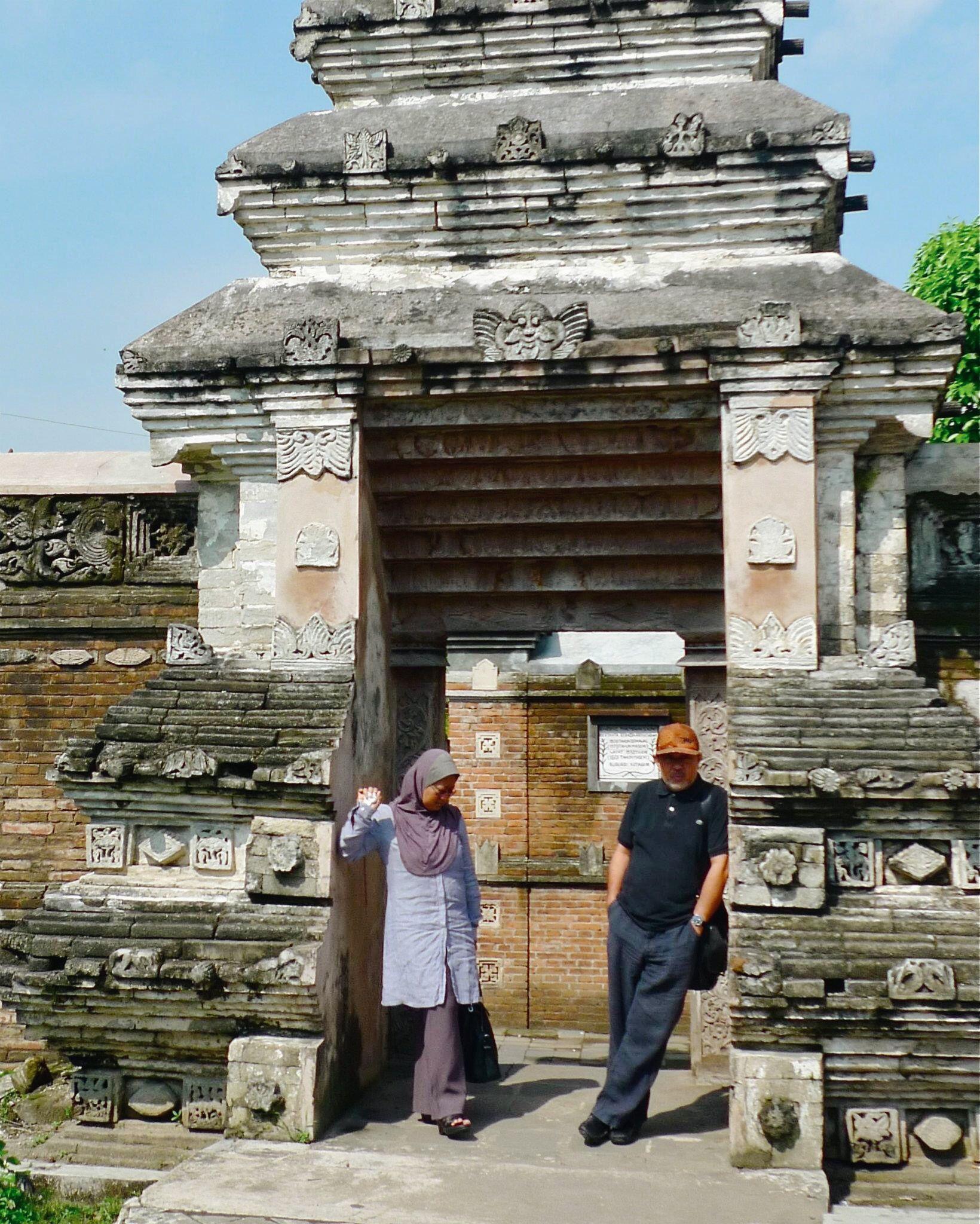 MOHD HATTA ETJANN NORIZAN AWANG JOGJA INDONESIA DIA ArT TRAVeL ATeLIER DiA TRAVeL