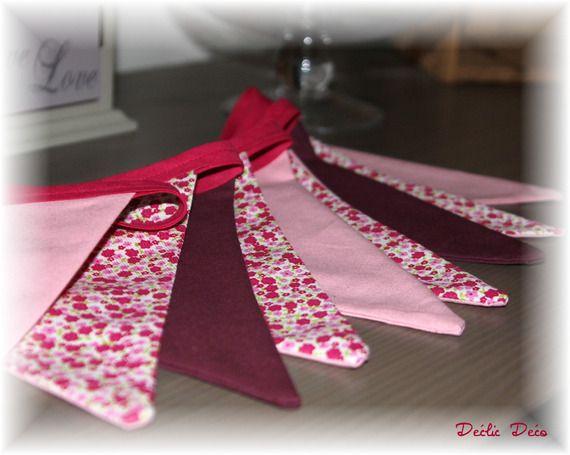 Guirlande de fanion tissu d coration chambre fille rose prune liberty id es chambre fille - Fanion deco chambre ...