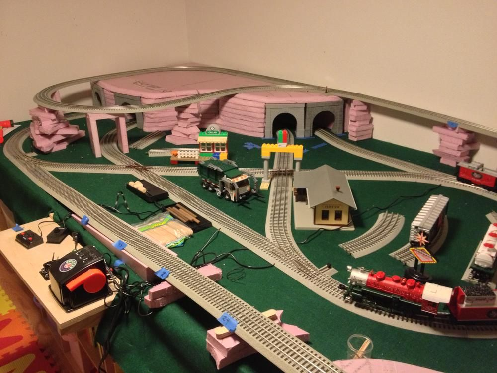 5'x10' FasTrack layout complete (for now!) Model trains