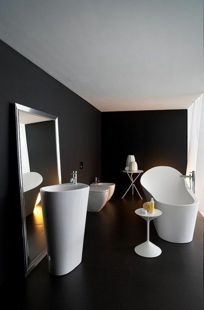 Merveilleux La Beauté De La Salle De Bain Noire En 44 Images! Small Kitchen DesignsSmall  ...