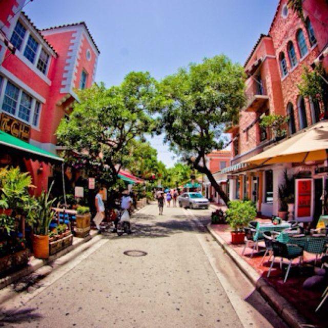 Espanola Way, Miami Beach - Eyecbeauty.com