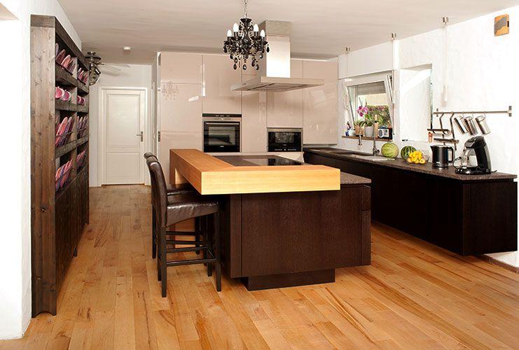 Küche, Wohnraumküche, Hochglanzmöbel, schwebend