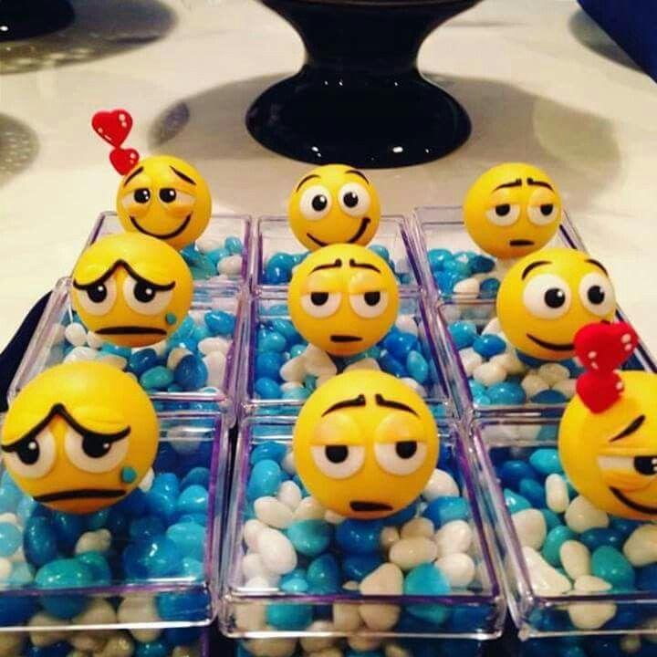 Lembrancinhas emojis