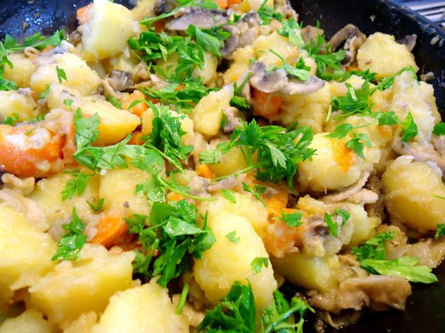 patate e funghi saltati in padella con verdure