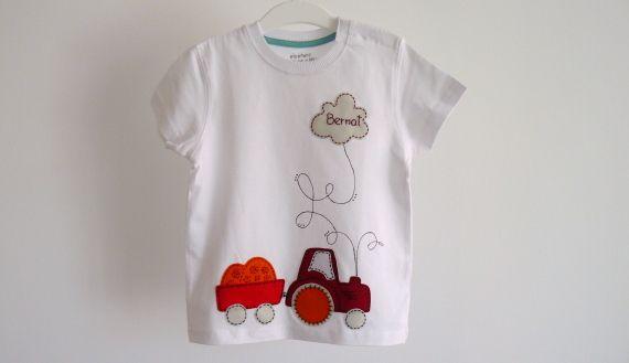 """Camiseta """"Tengo un tractor..."""" / punt a punt - Artesanio"""