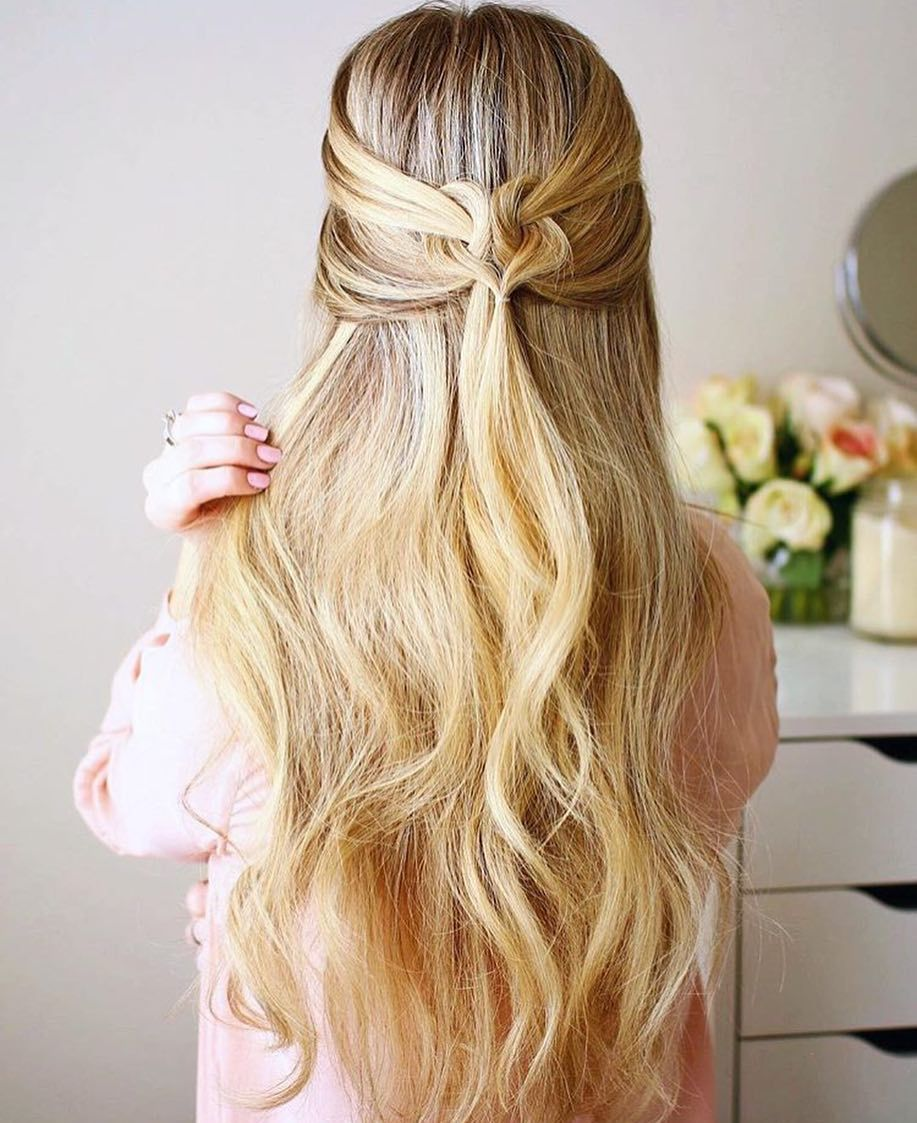 Valentine S Day Is Coming Up And I Love This Heart Style By Missysueblog Do You Like Vday Or Do You Sk Flechtfrisur Lange Haare Frisuren Frisur Ball Halboffen