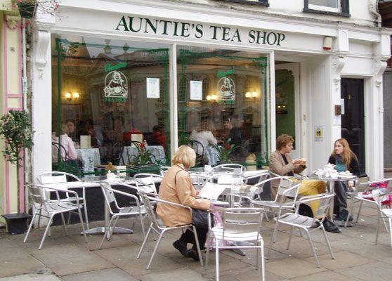 Auntie S Tea Shop Cambridge England I Ve Been Here April 2011 Tea Shop Cambridge England Tea Room