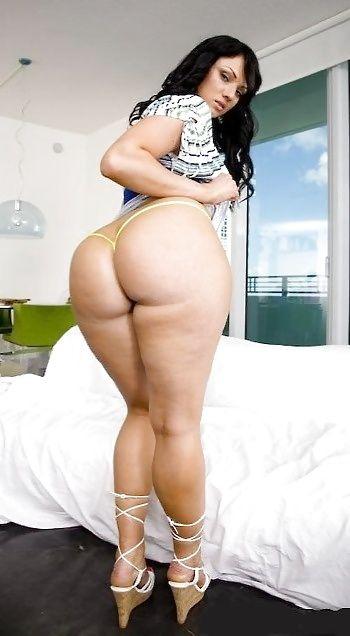 Plump horny women, Hottest nude sex scene