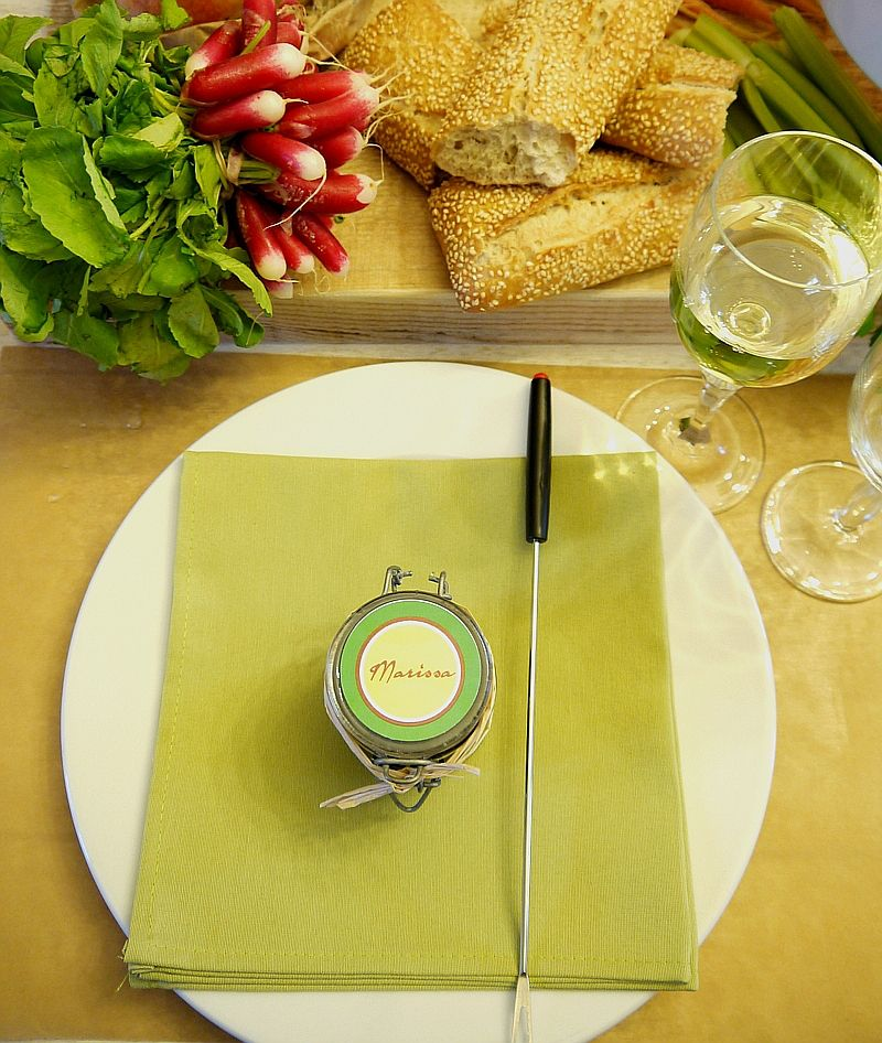 How to Style a Cheese Fondue Party at Home #fondueparty