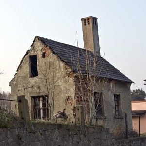 stock.xchng - Old House (stock photo by SpydeRR)