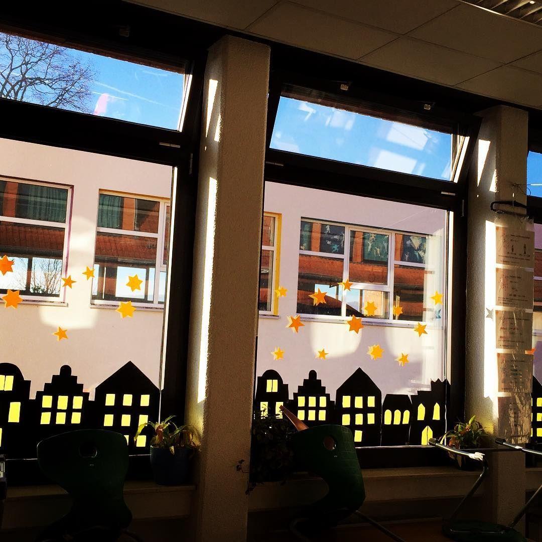 grundschule fensterdeko grundschulideen primaryschool lehreralltag lehrerleben. Black Bedroom Furniture Sets. Home Design Ideas
