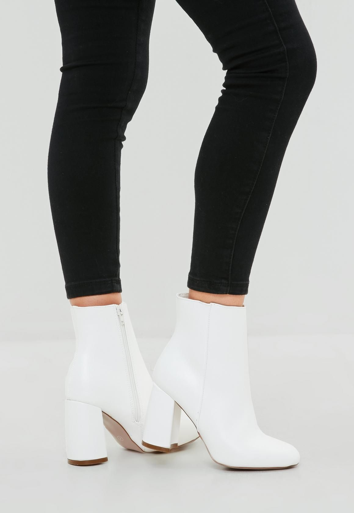 06272385053 White Round Toe Ankle Boot