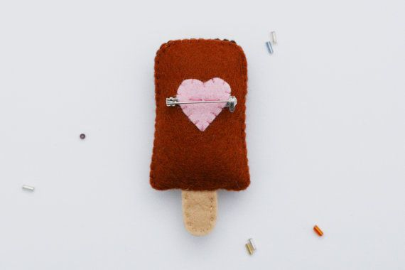 Double Chocolate Felt Popsicle Brooch por hannahdoodle en Etsy