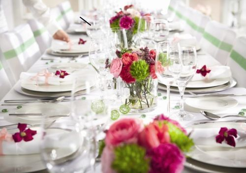 Tischdekoration  Kommunion in 2019  Tischdekoration Dekoration hochzeit und Tischdeko blumen